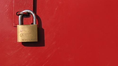 lock red
